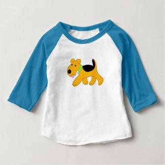 T-shirt raglan de bébé de chien mignon d'Airedale