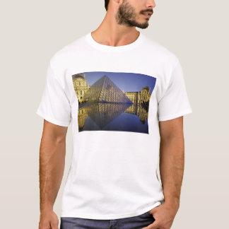 T-shirt Réflexion de la FRANCE, Paris, pyramide. Le Louvre