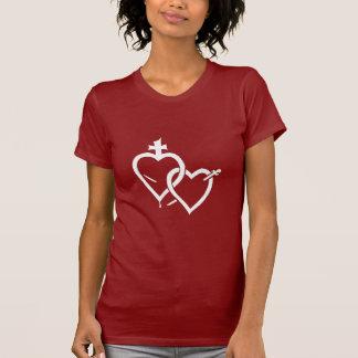 T-shirt sacré et impeccable de coeurs