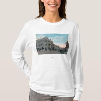 T-shirt Scène de rue principale avec des chariots de