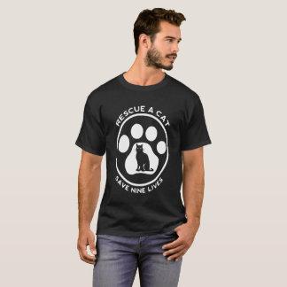 T-shirt Secourez des économies de chat pendant neuf vies
