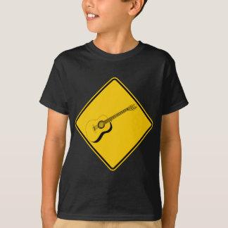 T-shirt Signe de route de croisement de guitare