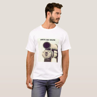 T-shirt smile for your last selfie