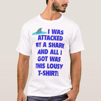 T-shirt Souvenir d'attaque de requin