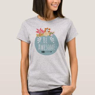 T-shirt Soyez été floral impressionnant d'insigne