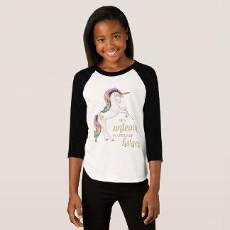 T-shirt Soyez une licorne dans un domaine des chevaux