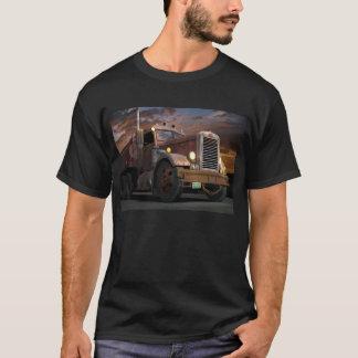 "T-shirt ""T-shirt de coucher du soleil de 55 Peterbilt"