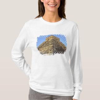T-shirt Temple de Kukulcan ou château de Castillo) dedans