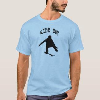 T-shirt Tour dessus