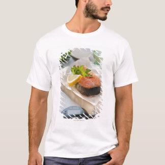 T-shirt Tranche de saumon sur l'échelle de poids