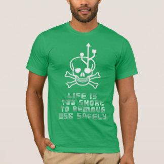 T-shirt USB enlèvent vivant est au short