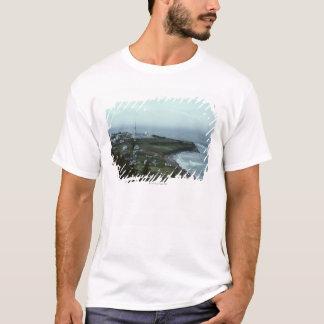 T-shirt Village de bord de la mer sombre