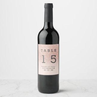 Table rose de mariage d'ombre de rose de étiquette pour bouteilles de vin