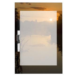 Tableau Effaçable À Sec Lever de soleil par un lac