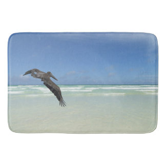 Tapis De Bain Pelican above the ocean