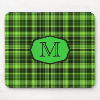 Tapis De Souris Chapiteau vert de tartan décoré d'un monogramme