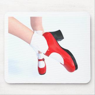 Tapis De Souris Chaussettes froncées blanches de chaussures rouges