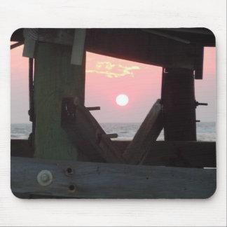 Tapis De Souris Coucher du soleil par le pilier - île de chêne, OR