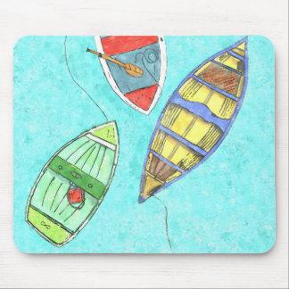 Tapis de souris de bateaux d'été au repos