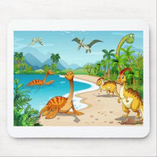 Tapis De Souris Dinosaures vivant sur la plage