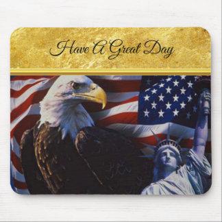 Tapis De Souris Eagle chauve une statue de la liberté un drapeau