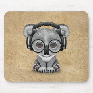 Tapis De Souris Écouteurs de port mignons du DJ d'ours de koala de