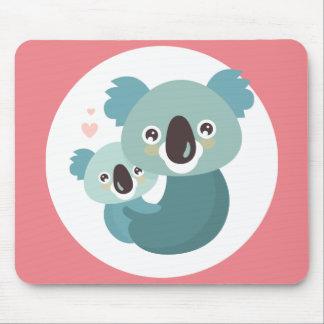 Tapis De Souris Étreindre doux de mère et de bébé de koala de