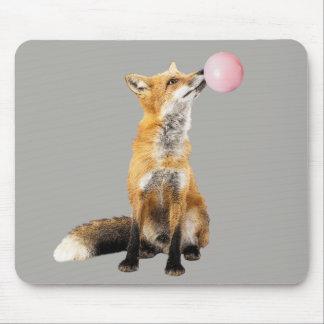 Tapis De Souris Fox avec la bulle de soufflement de bubble-gum