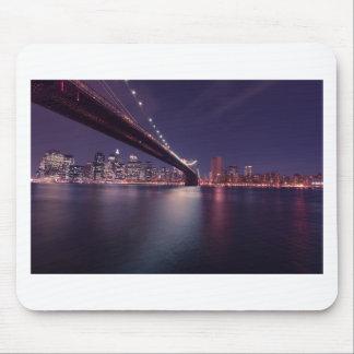 Tapis De Souris Horizon de nuit de pont de New York City Brooklyn