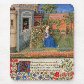 Tapis De Souris Jeune fille médiévale dans la roseraie de cour
