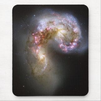 Tapis De Souris La NASA - Les galaxies NGC4038-4039 d'antennes