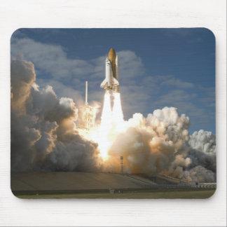 Tapis De Souris La navette spatiale l'Atlantide enlève 24
