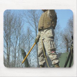 Tapis De Souris Le sergent de Marine Corps des USA renonce aux
