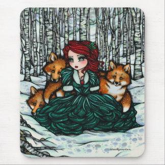 Tapis De Souris L'hiver lunatique macule l'art de forêt par Hannah