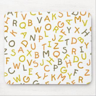 Tapis De Souris Motif jaune et orange d'alphabet