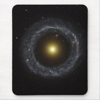 Tapis De Souris Noyau de la galaxie de l'objet de Hoag