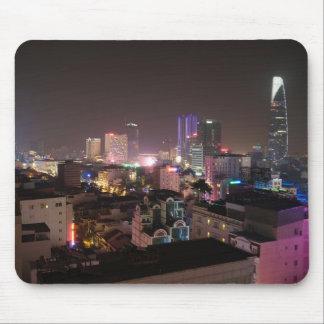 Tapis De Souris Paysage urbain de nuit de Ho Chi Minh Ville.