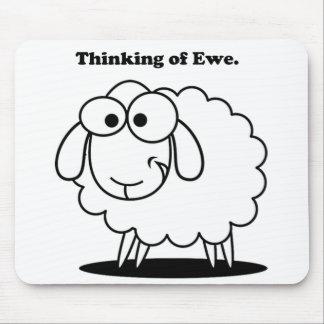 Tapis De Souris Pensée à la bande dessinée mignonne de moutons
