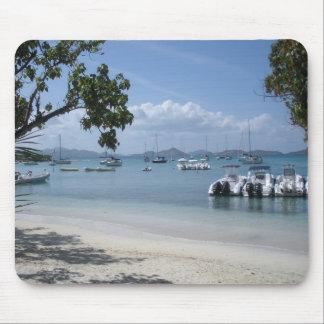 Tapis De Souris Port d'île des Caraïbes avec la plage