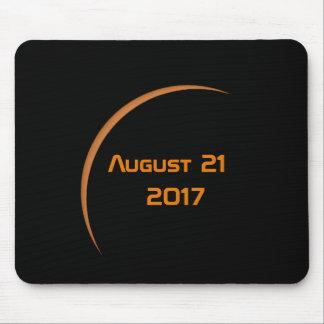 Tapis De Souris Près de l'éclipse solaire partielle de maximum le