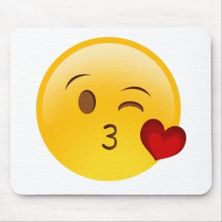 Tapis De Souris Soufflez un autocollant d'emoji de baiser