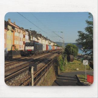 Tapis De Souris Train de marchandises dans les Lorchhausen au Rhin