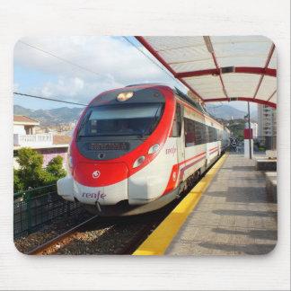 Tapis De Souris Train de Renfe à la station de visibilité directe