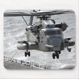 Tapis De Souris Un hélicoptère superbe d'étalon de CH-53E