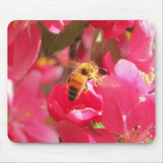 """Tapis De Souris Une fleur pour le mon mien d'abeille de """"miel"""""""