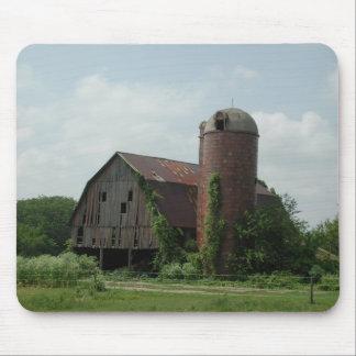 Tapis De Souris Vieux paysage de grange par Janz