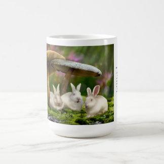 tasse 15oz : Lapins dans des champignons de lapins