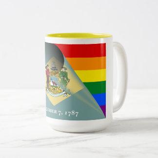 Tasse 2 Couleurs Arc-en-ciel de gay pride de drapeau du Delaware