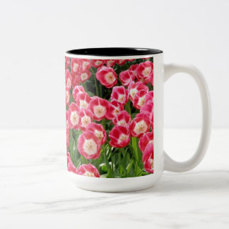 Tasse 2 Couleurs attaque des tulipes