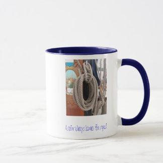 Tasse avec la conception nautique de corde